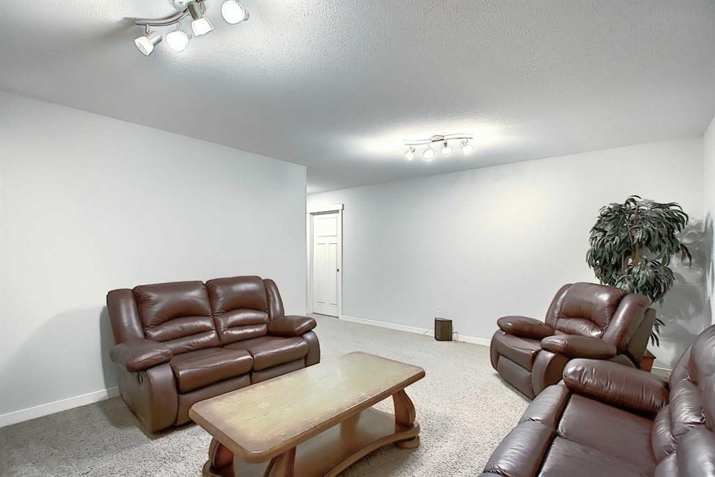 Listing A1042911 - Large Photo # 37