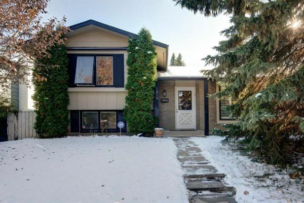 1215 Lake Twintree Drive SE, Calgary