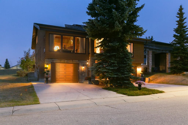 156 Edgehill Close NW, Calgary