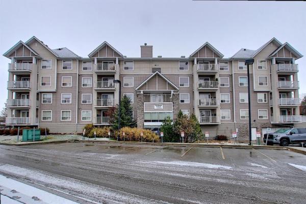 128 Centre Avenue, Cochrane