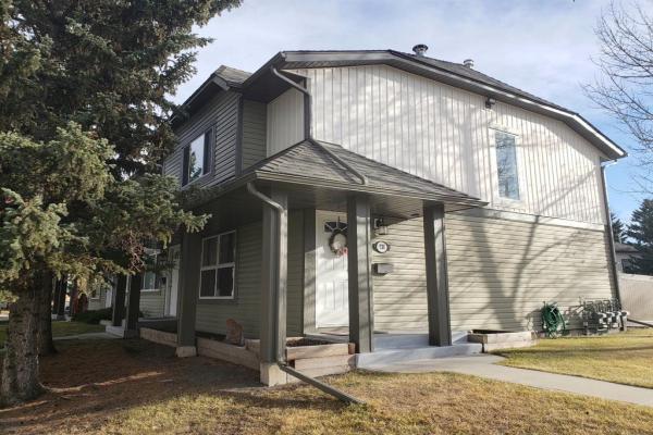530 Woodbine Boulevard SW, Calgary