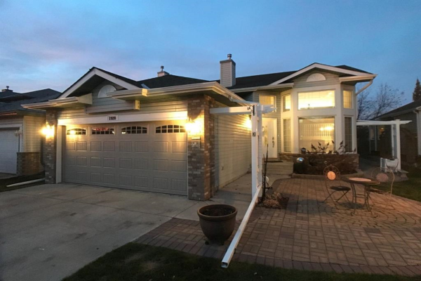 1920 Woodside Boulevard NW, Airdrie