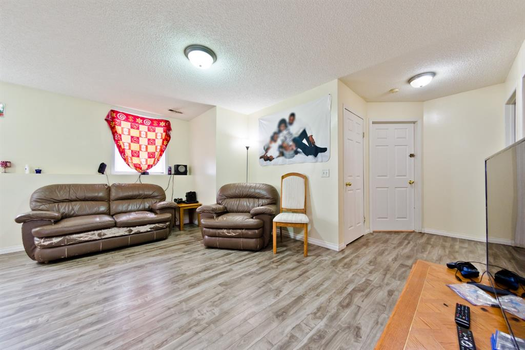 Listing A1047099 - Large Photo # 22