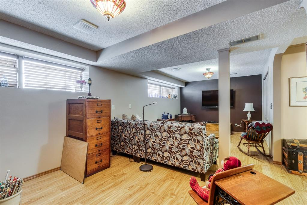 Listing A1048146 - Large Photo # 30