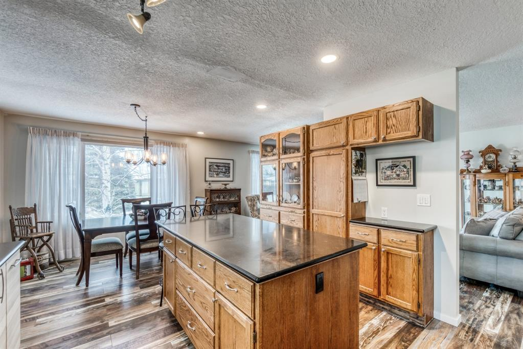 Listing A1048146 - Large Photo # 10