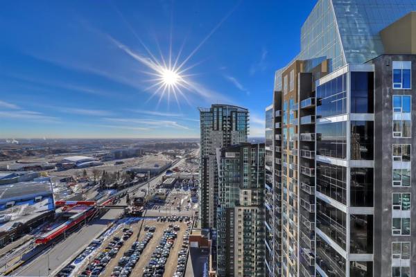 211 13 Avenue SE, Calgary