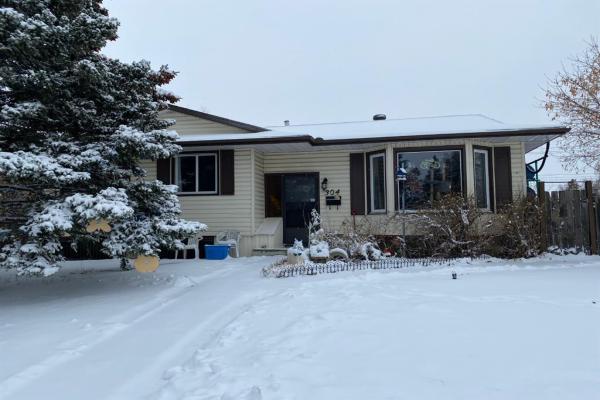 304 Manora Rise NE, Calgary