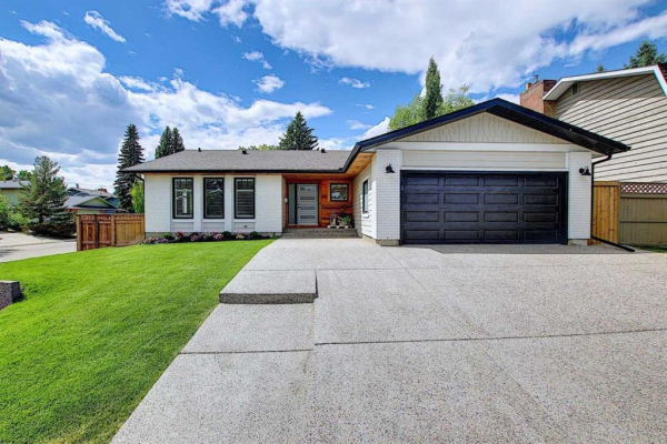 103 LAKE MEAD Place SE, Calgary