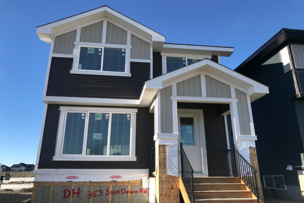 353 Sundown Road, Cochrane