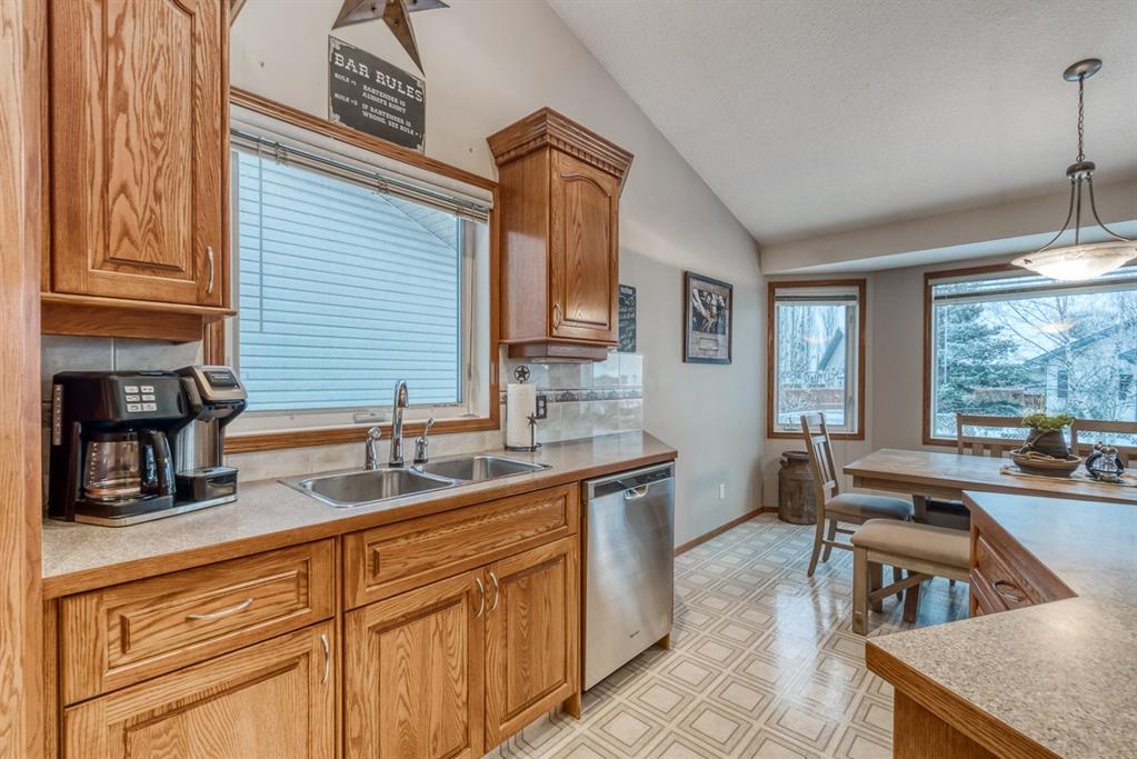 Listing A1050325 - Large Photo # 9