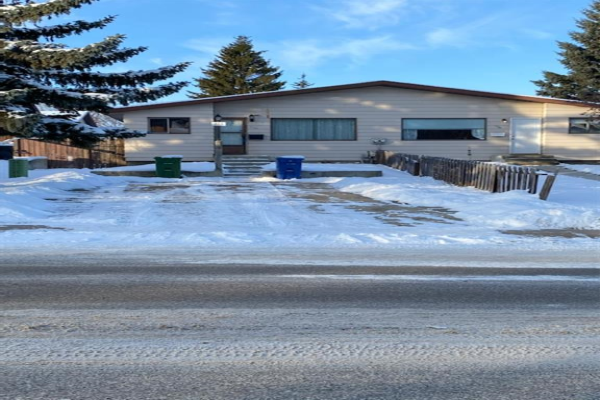 114 NORTHEY, Red Deer