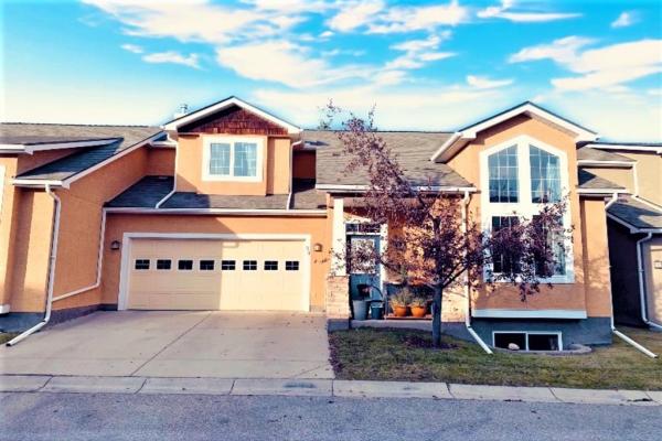 34 Cedargrove Lane SW, Calgary