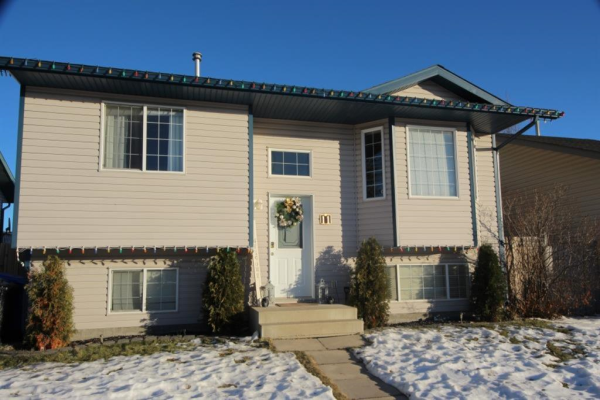11 Hawthorn Way, Olds