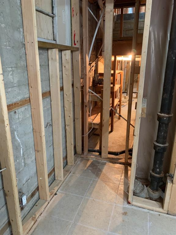 Listing A1054402 - Thumbmnail Photo # 15