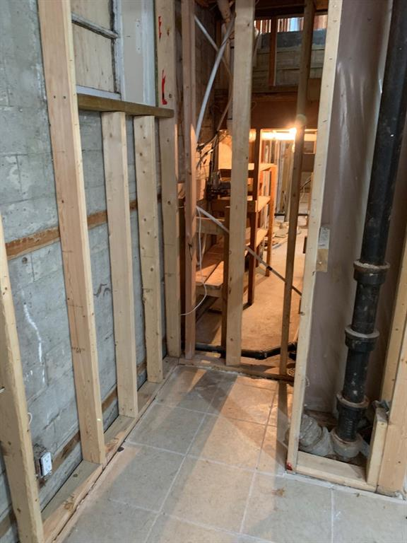 Listing A1054402 - Thumbmnail Photo # 14