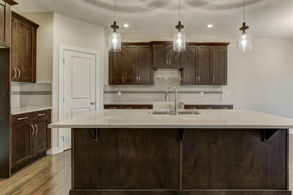 Listing A1054714 - Thumbmnail Photo # 8
