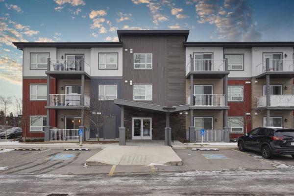 5305 32 Avenue SW, Calgary