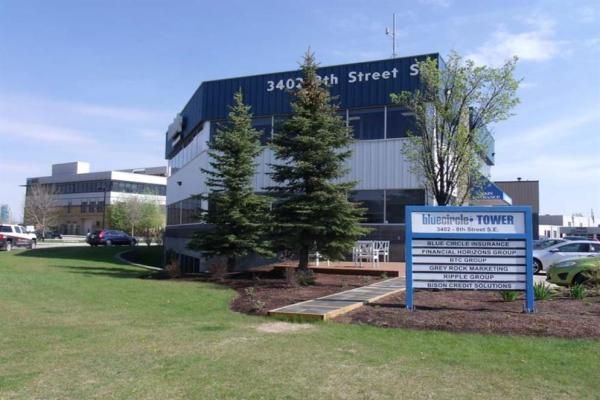 3402 8 Street SE, Calgary
