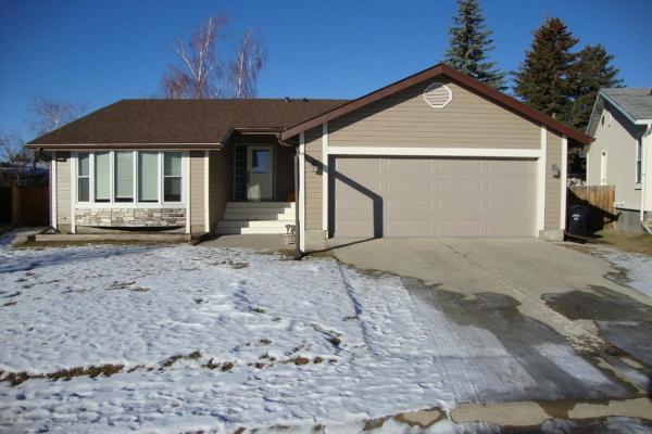 543 Deerpath Court SE, Calgary
