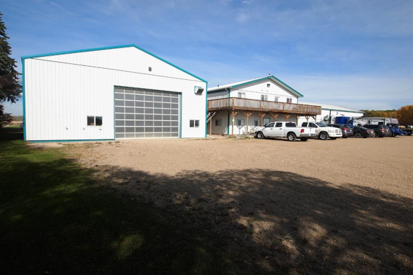 41022 Highway 20, Rural Lacombe County