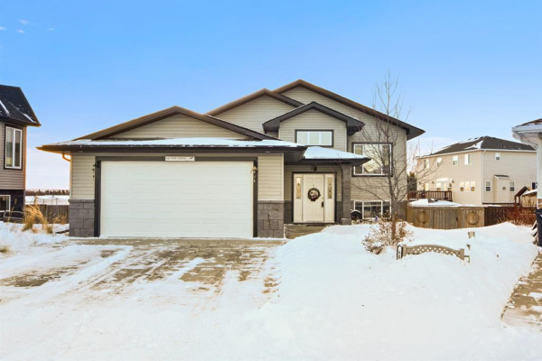 604 600 Carriage Lane Place, Carstairs