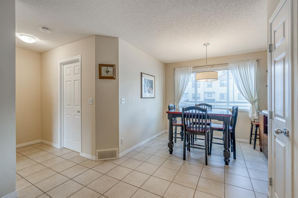 Listing A1057062 - Thumbmnail Photo # 9