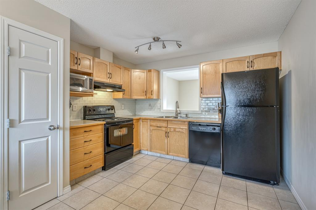 Listing A1057062 - Thumbmnail Photo # 8