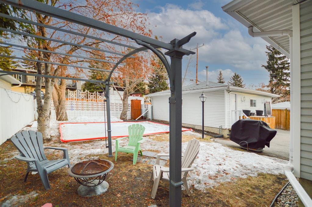 Listing A1057696 - Large Photo # 6