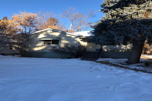 1328 17 Avenue NW, Calgary
