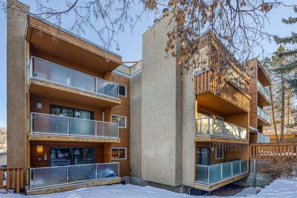 2114 17 Street SW, Calgary