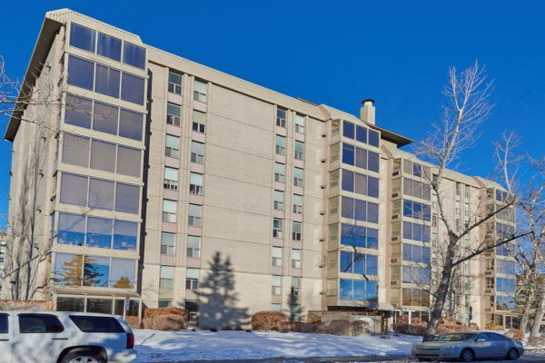 4555 Varsity Lane NW, Calgary