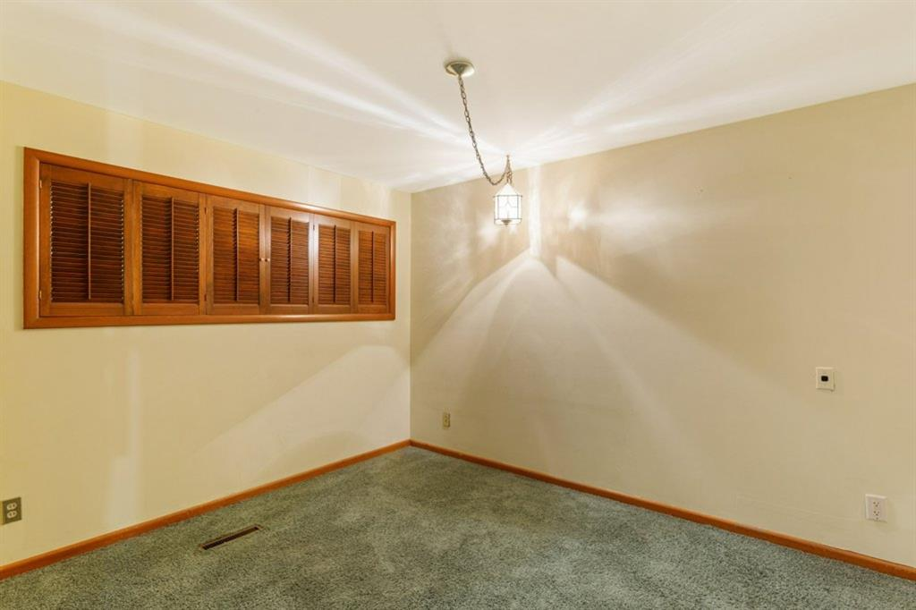 Listing A1059408 - Thumbmnail Photo # 20