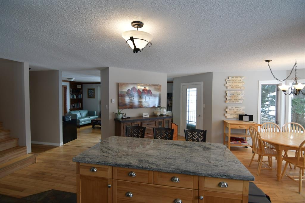 Listing A1059592 - Large Photo # 3