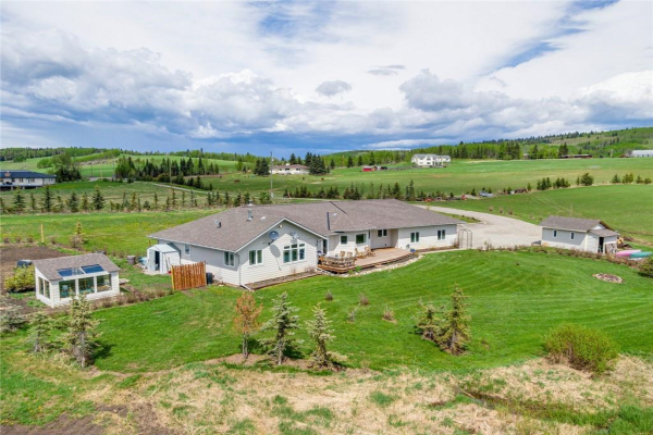 306365 Plummers Road W, Rural Foothills County