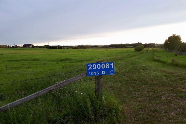 290081  1016 Drive E, Rural Foothills County