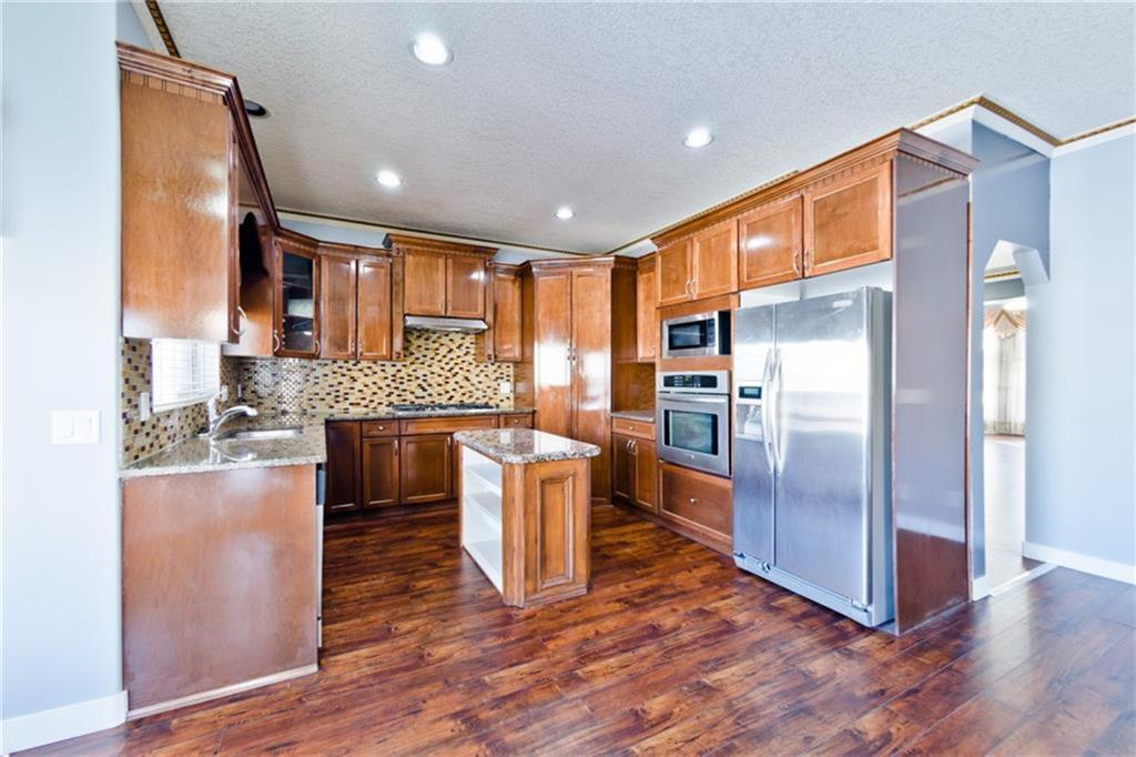 Listing A1061556 - Thumbmnail Photo # 7