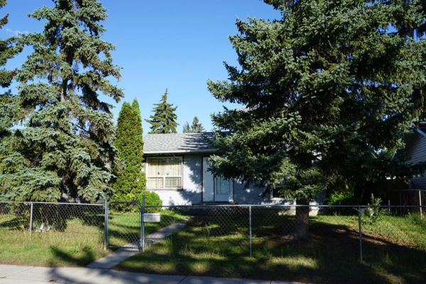 1071 Penrith Crescent SE, Calgary