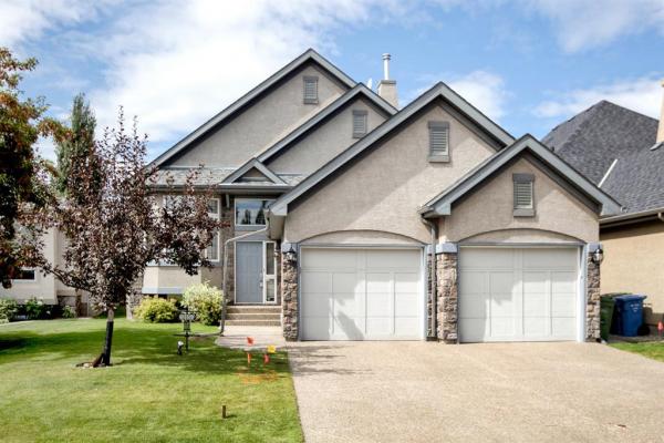 215 Cranleigh Bay SE, Calgary