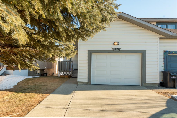 1120 HIGH GLEN Place NW, High River