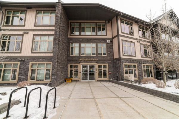 45 Aspenmont Heights SW, Calgary