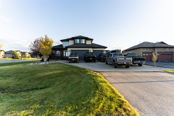7701 Saxony Road, Rural Grande Prairie No. 1 County of