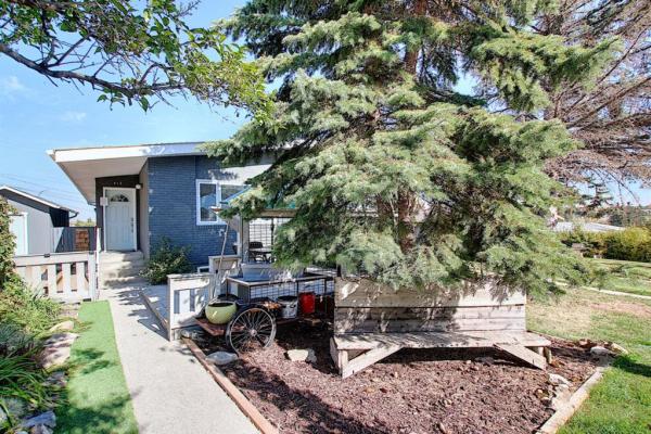 412 33 Avenue NE, Calgary