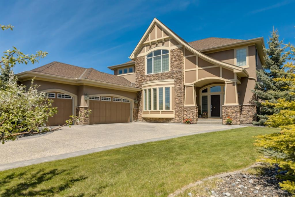 115 Wentworth Court SW, Calgary