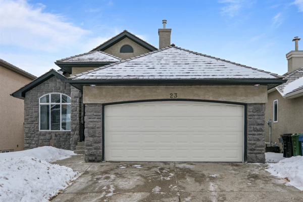 23 Royal Ridge Manor NW, Calgary
