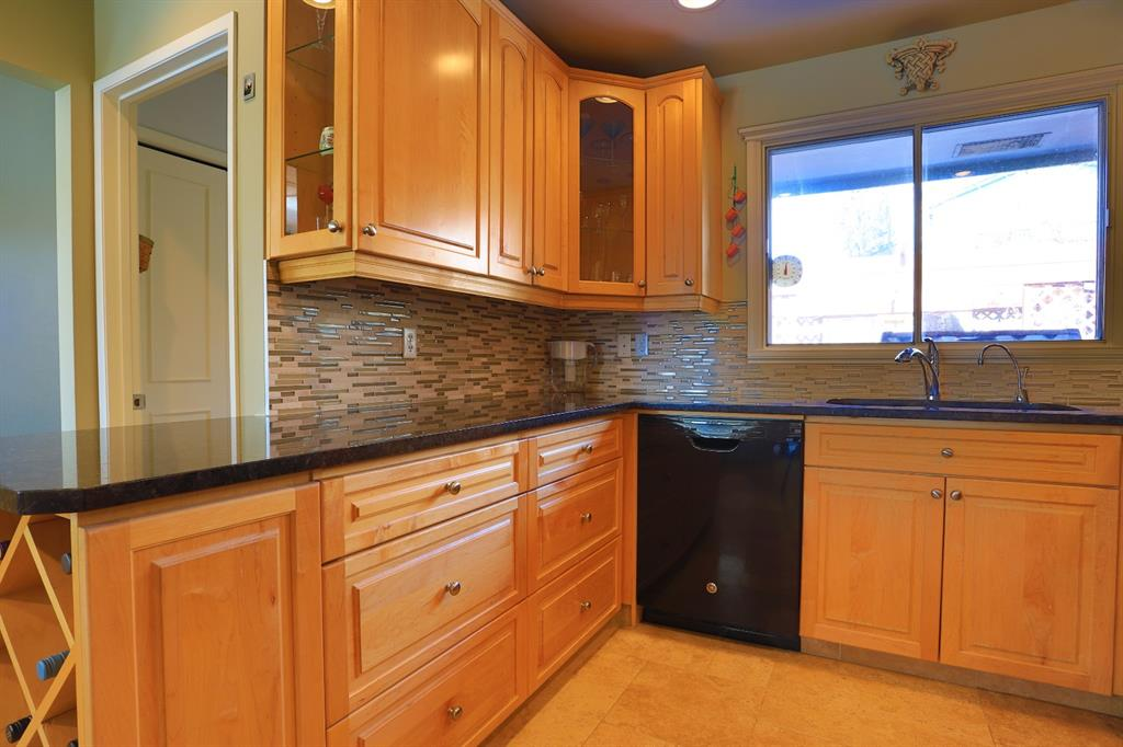 Listing A1071582 - Large Photo # 14