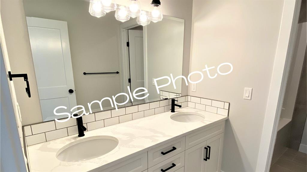 Listing A1072040 - Thumbmnail Photo # 8