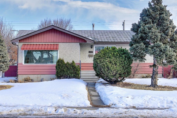 2202 35 Street SE, Calgary