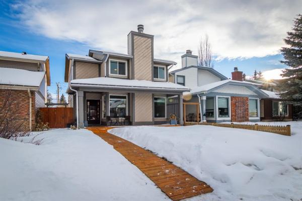 123 Woodfield Close SW, Calgary