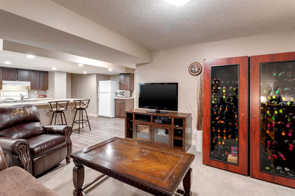 Listing A1073406 - Large Photo # 30