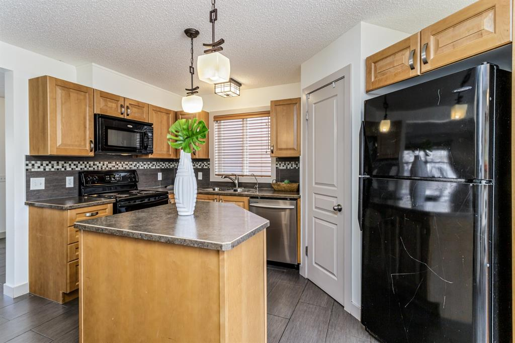 Listing A1073937 - Large Photo # 7